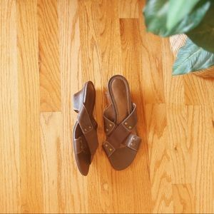 Naturalizer Leather and Elastic Sandals